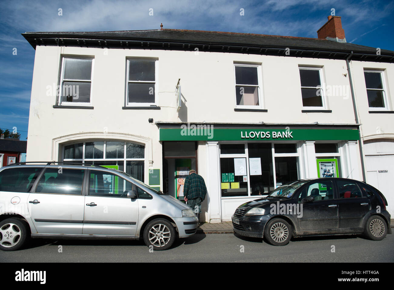 Threat to Rural communities in Wales:  March 09 2017 - the last day of opening for the branch of Lloyds Bank in - Stock Image