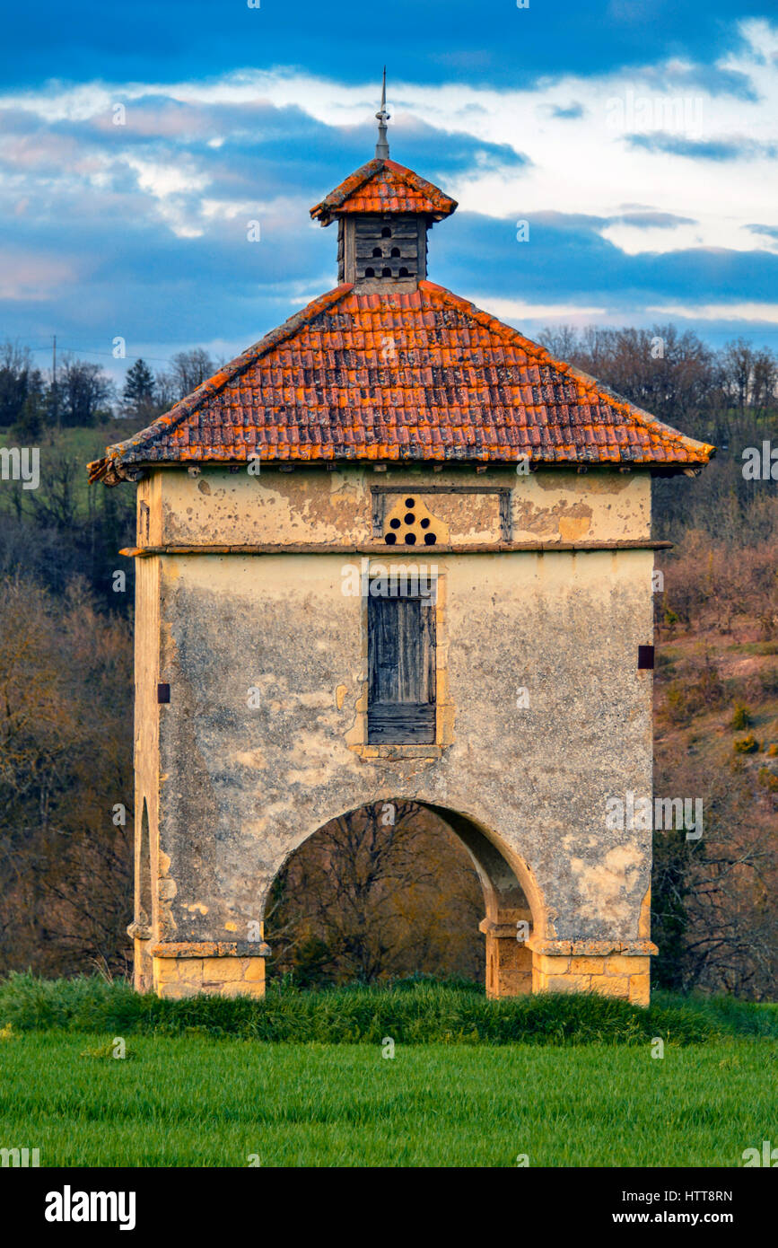 Arched type of Pigeonnier at Cazelles, in the Occitanie region of Southern France. - Stock Image