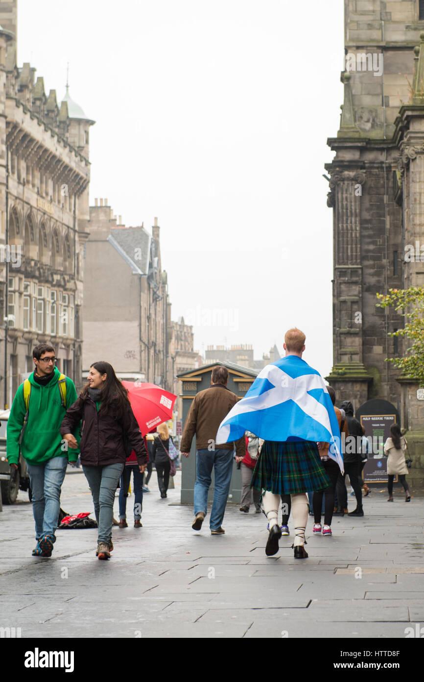 EDINBURGH, SCOTLAND, UK – September 18, 2014 - man expressing his opinion on independence during referendum day - Stock Image