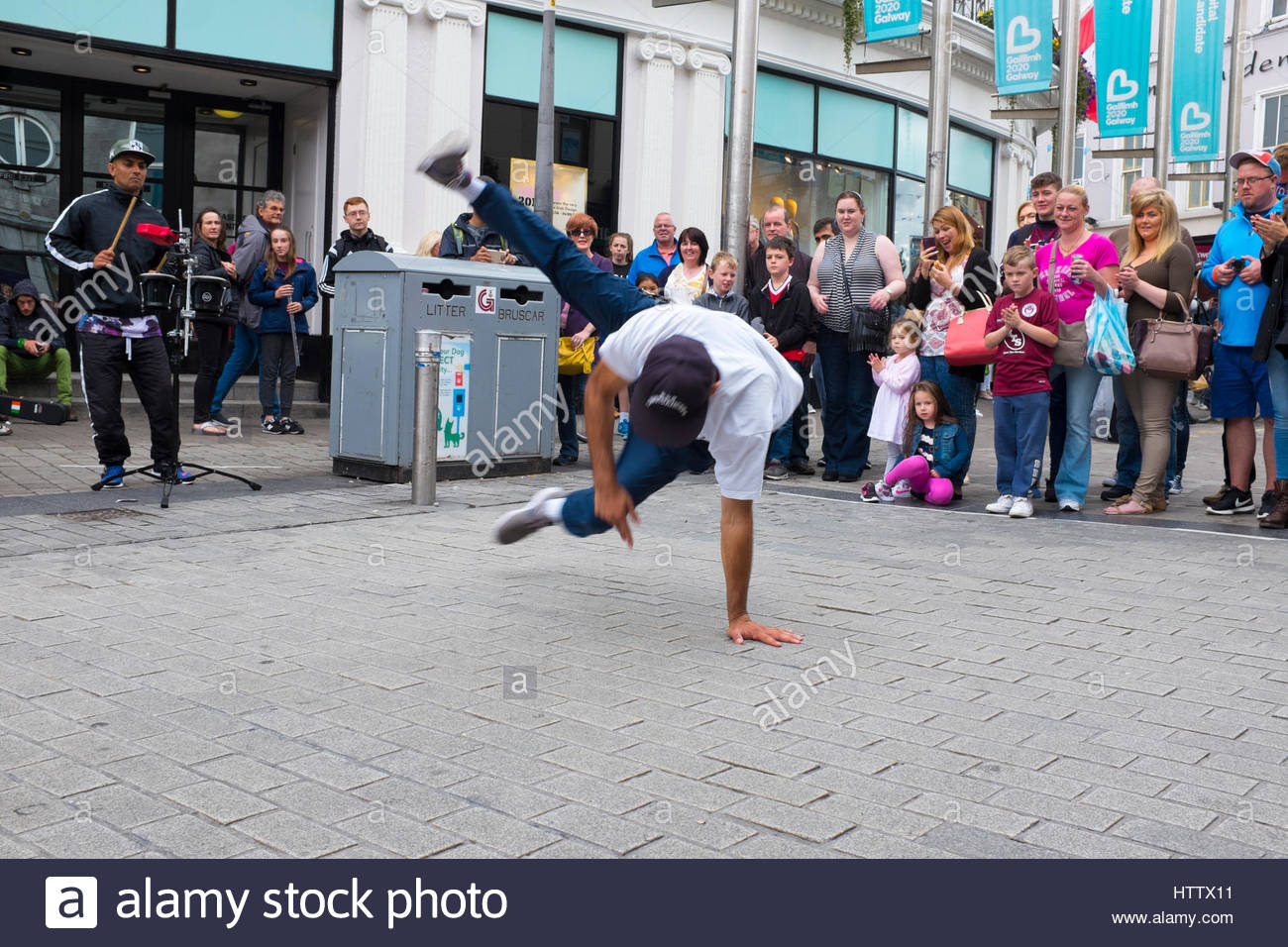 Breakdancers on Shop Street, Galway City, Ireland - Stock Image
