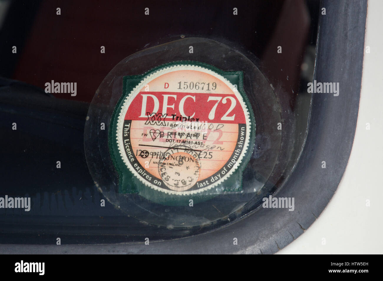 Vintage UK car road tax disk, dated December 1972 Stock Photo ...