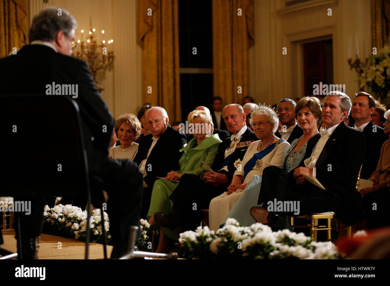 Queen Elizabeth II of the United Kingdom and President George W Bush, along with First Lady Laura Bush and Prince Stock Photo