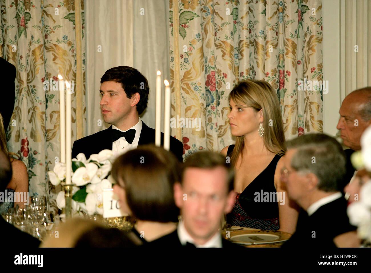 Washington, D.C - November 2, 2005 -- Jenna Bush, right, daughter of United States President George W Bush, attends - Stock Image