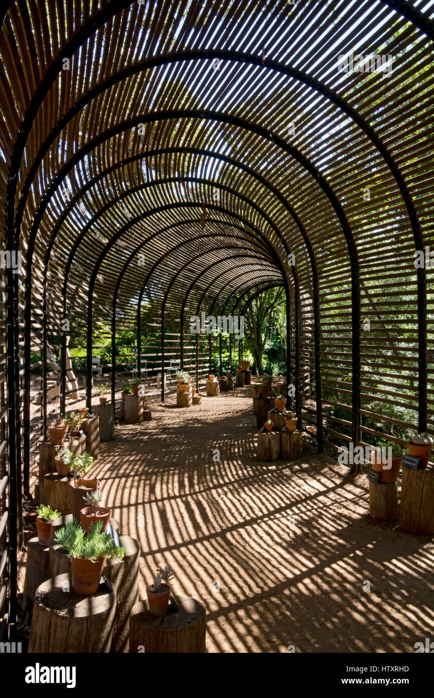 Shaded Garden Arched Walkway Stock Photos & Shaded Garden Arched ...