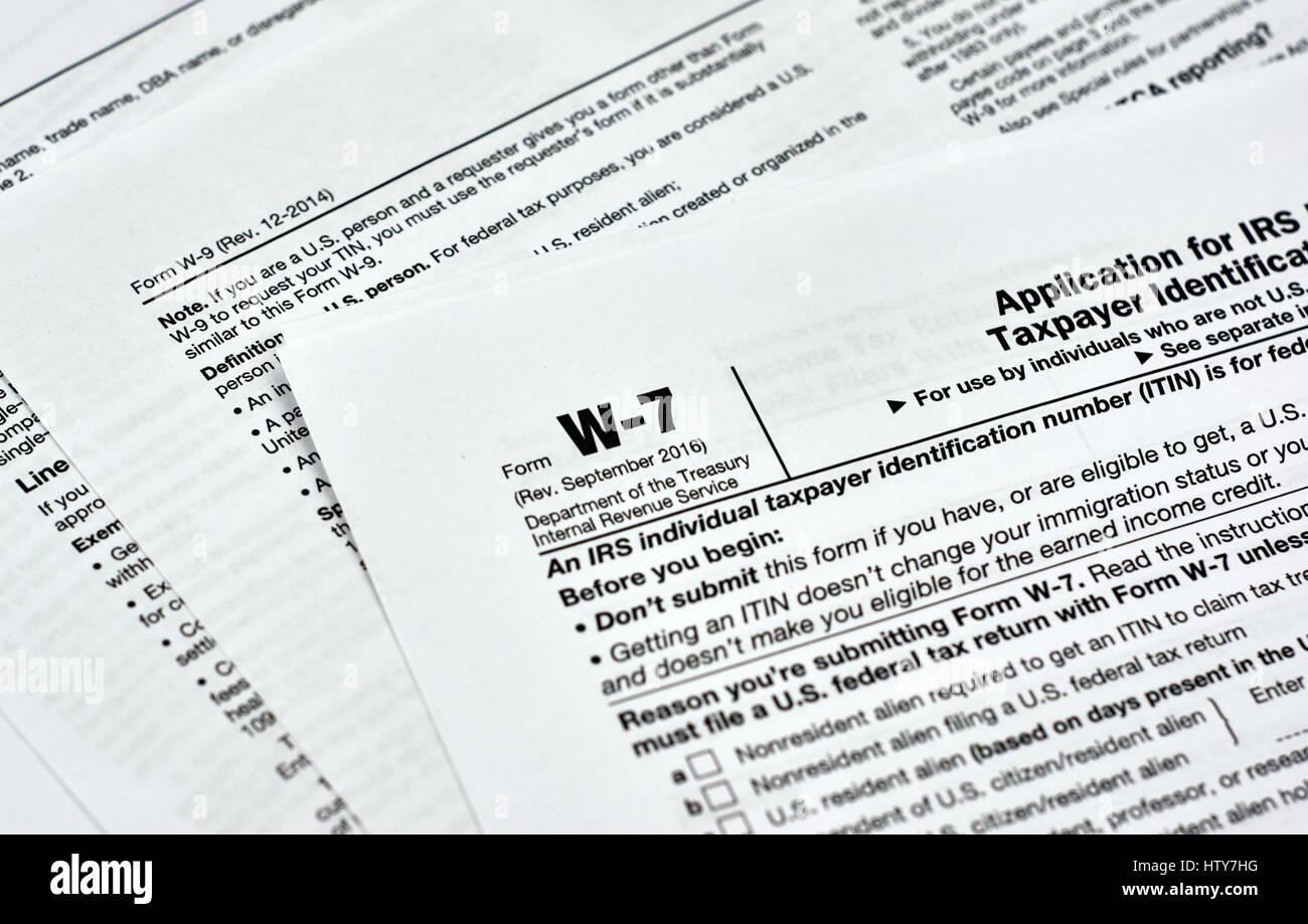 w-7 usa federal tax form stock photo: 135823004 - alamy