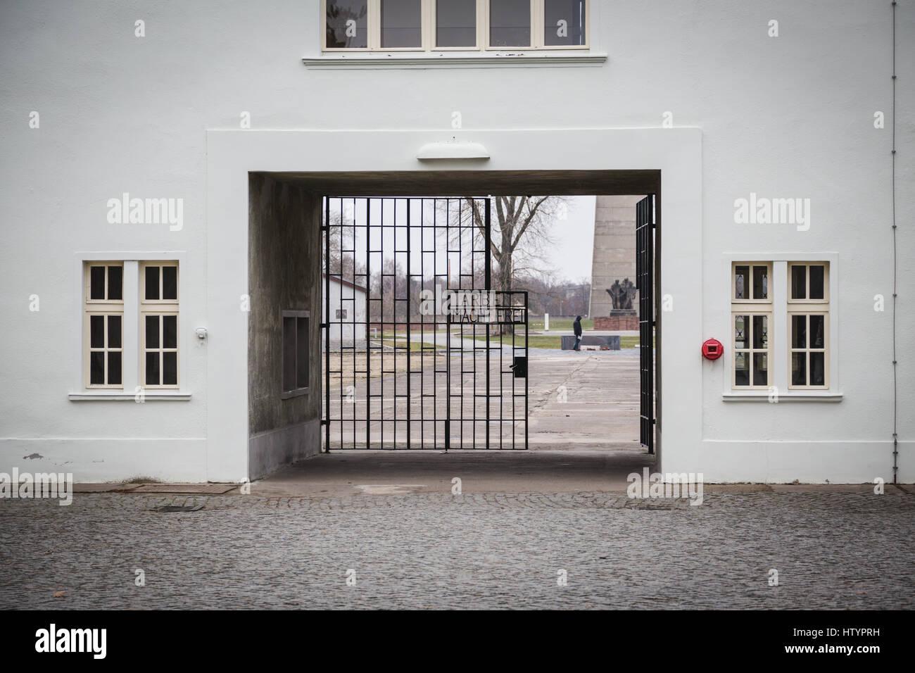 Arbeit Macht Frei Sachsenhausen concentration camp memorial site, Oranienburg, Germany - Stock Image