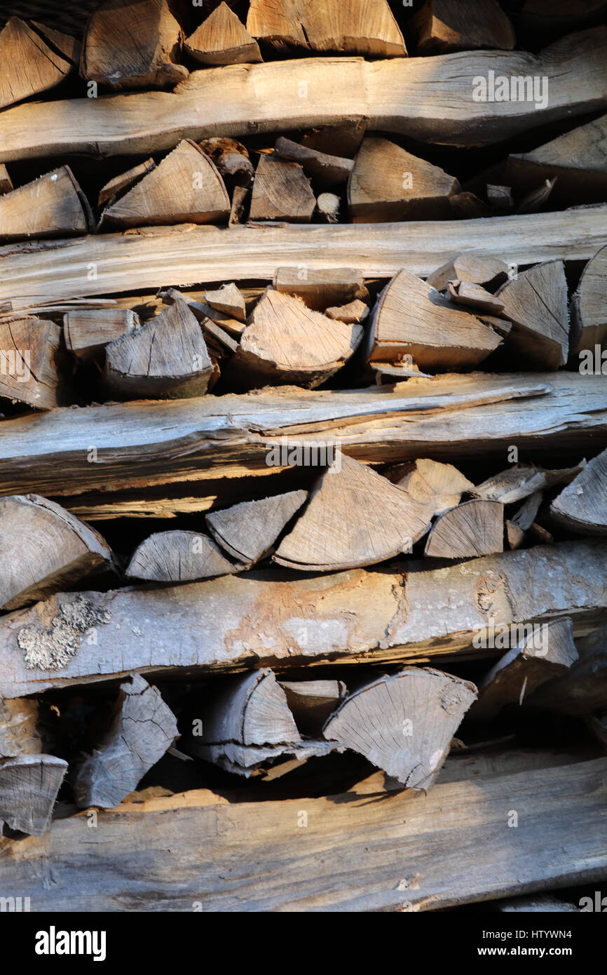 Kaminholz Brennholz aufgestapelt Stock Photo