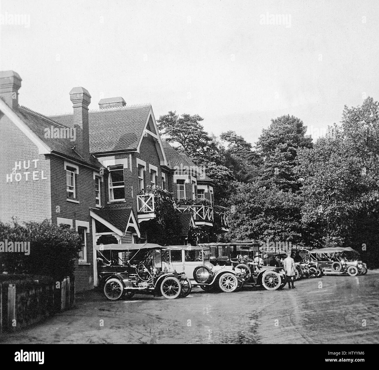 1911 Wisley Hut Hotel on A3 in Surrey - Stock Image