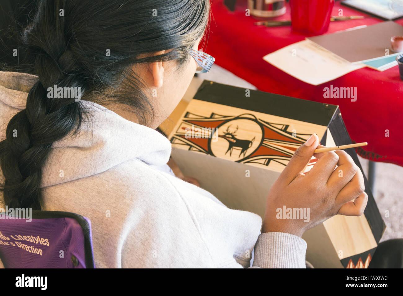 New Mexico, Pueblo of Zuni, Zuni Visitor and Arts Center,  Zuni artisans - Stock Image