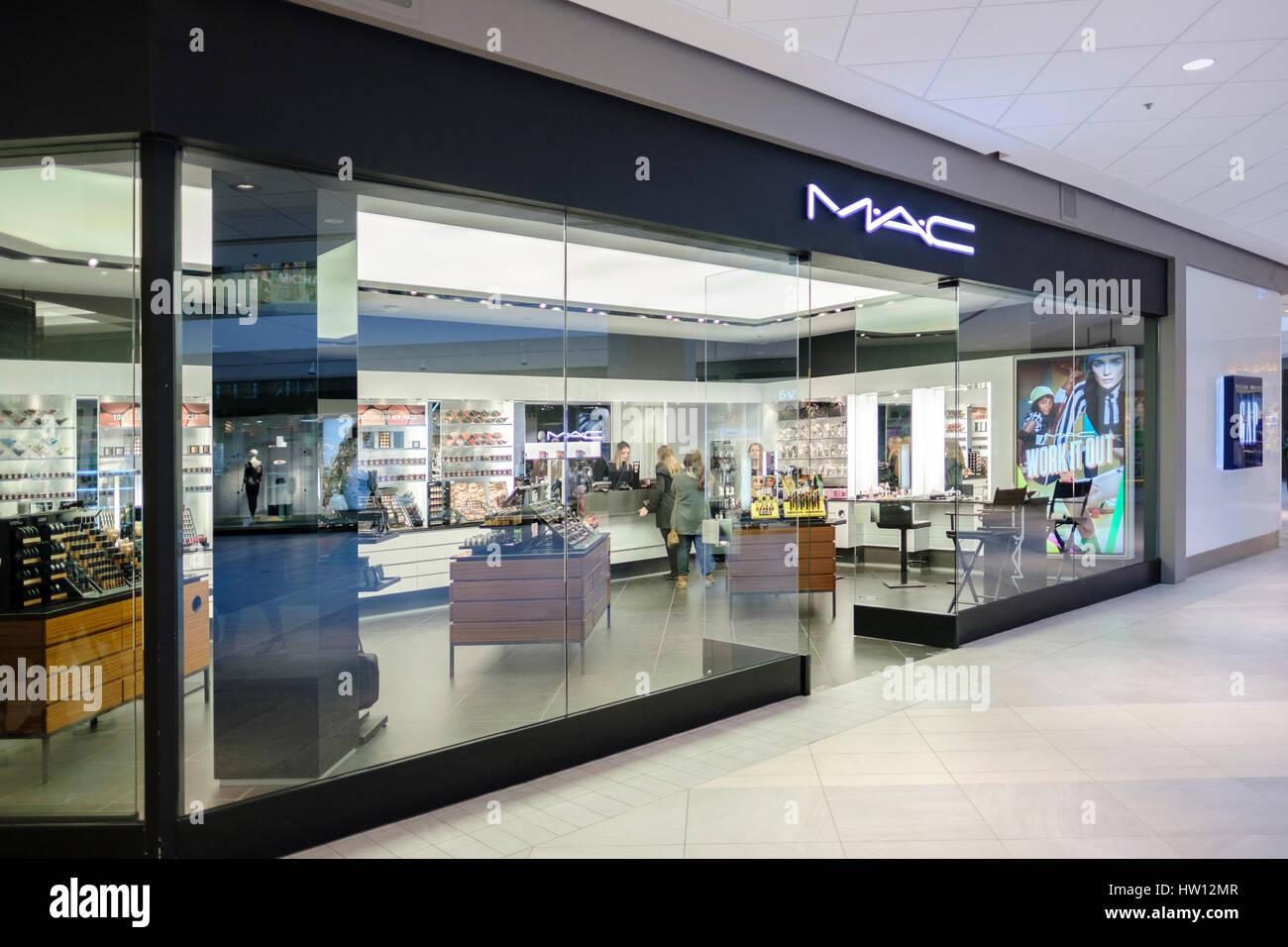 3d9eed81e0a27 Mac Cosmetics Store Stock Photos   Mac Cosmetics Store Stock Images ...