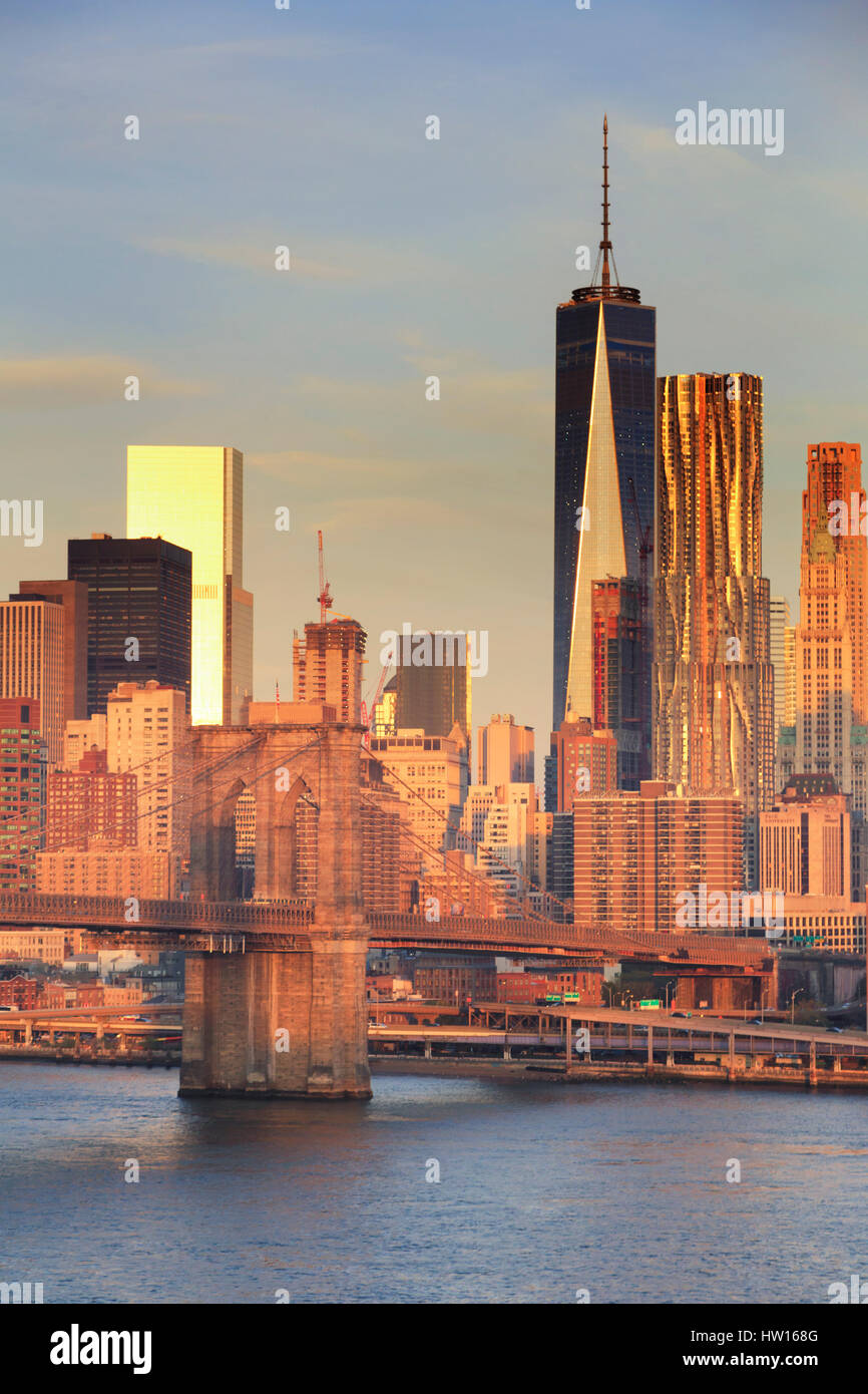 USA, New York, New York City, Lower Manhattan and Brooklyn Bridge - Stock Image