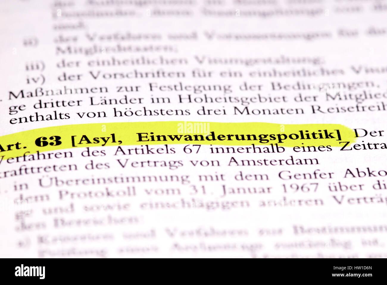 Legal text article. 63 asylums, immigration policy, Gesetzestext Art. 63 Asyl, Einwanderungspolitik - Stock Image