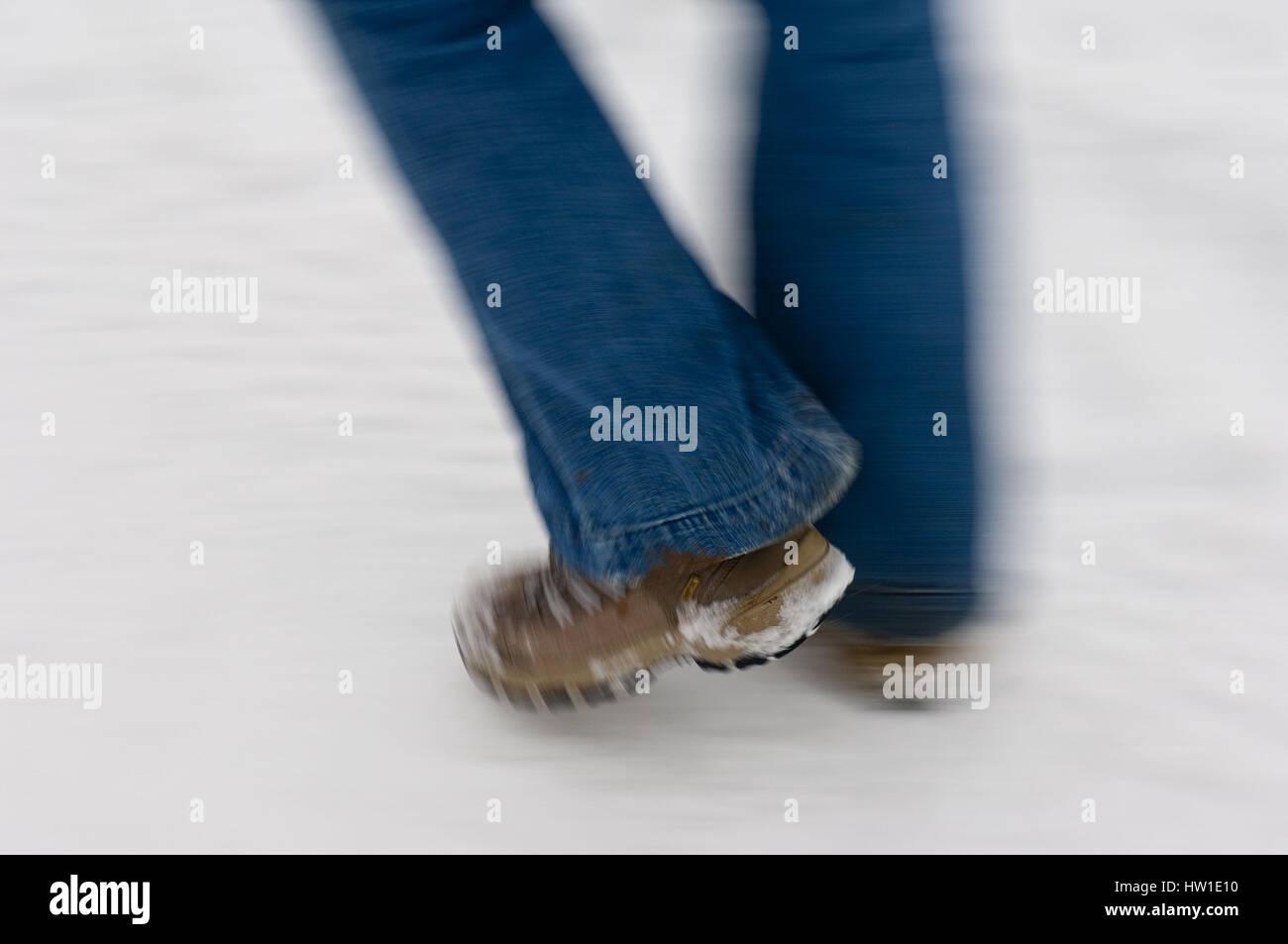 Walking in winter, Wandern im Winter - Stock Image