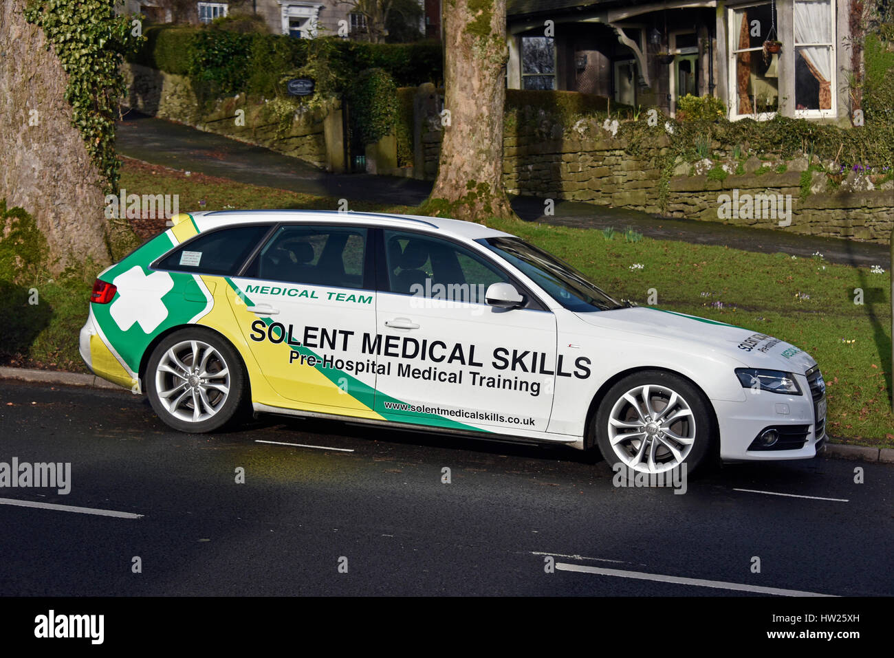 Solent Medical Skills, Pre-Hospital Medical Training, medical team motor vehicle. Beast Banks, Kendal, Cumbria, - Stock Image