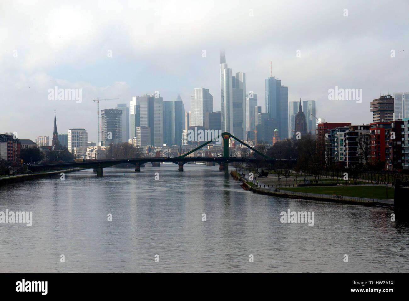 die Skyline von Frankfurt am Main u.a. mit der Commerzbank Zentrale, dem Heleba Gebaeude und anderen Wolkenkratzer, Stock Photo