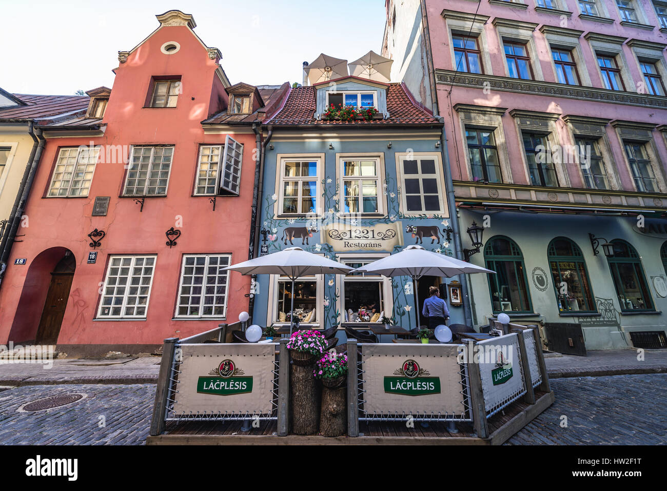 Exterior of 1221 Restaurant on Jauniela Street, Old Town of Riga, capital city of Republic of Latvia - Stock Image