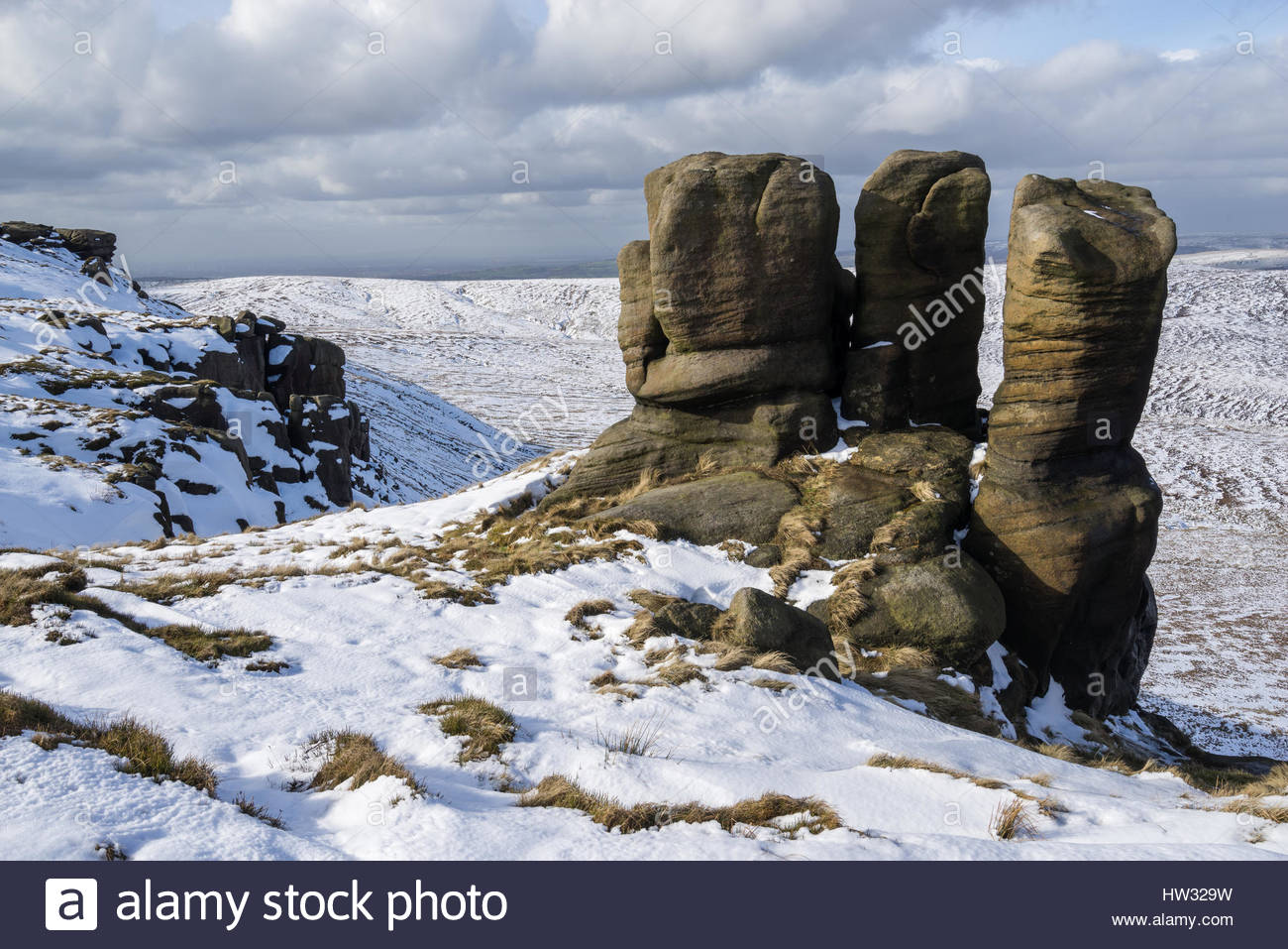 After a poor winter for the 2016/2017 season, I jumped at the chance to head up Kinder Scout for some late snow - Stock Image
