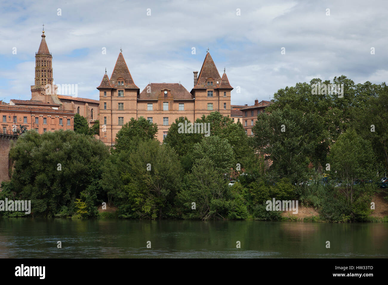 Musee Ingres on the riverbank of the Tarn River in Montauban, Tarn-et-Garonne, France. Saint James' Church (Eglise - Stock Image