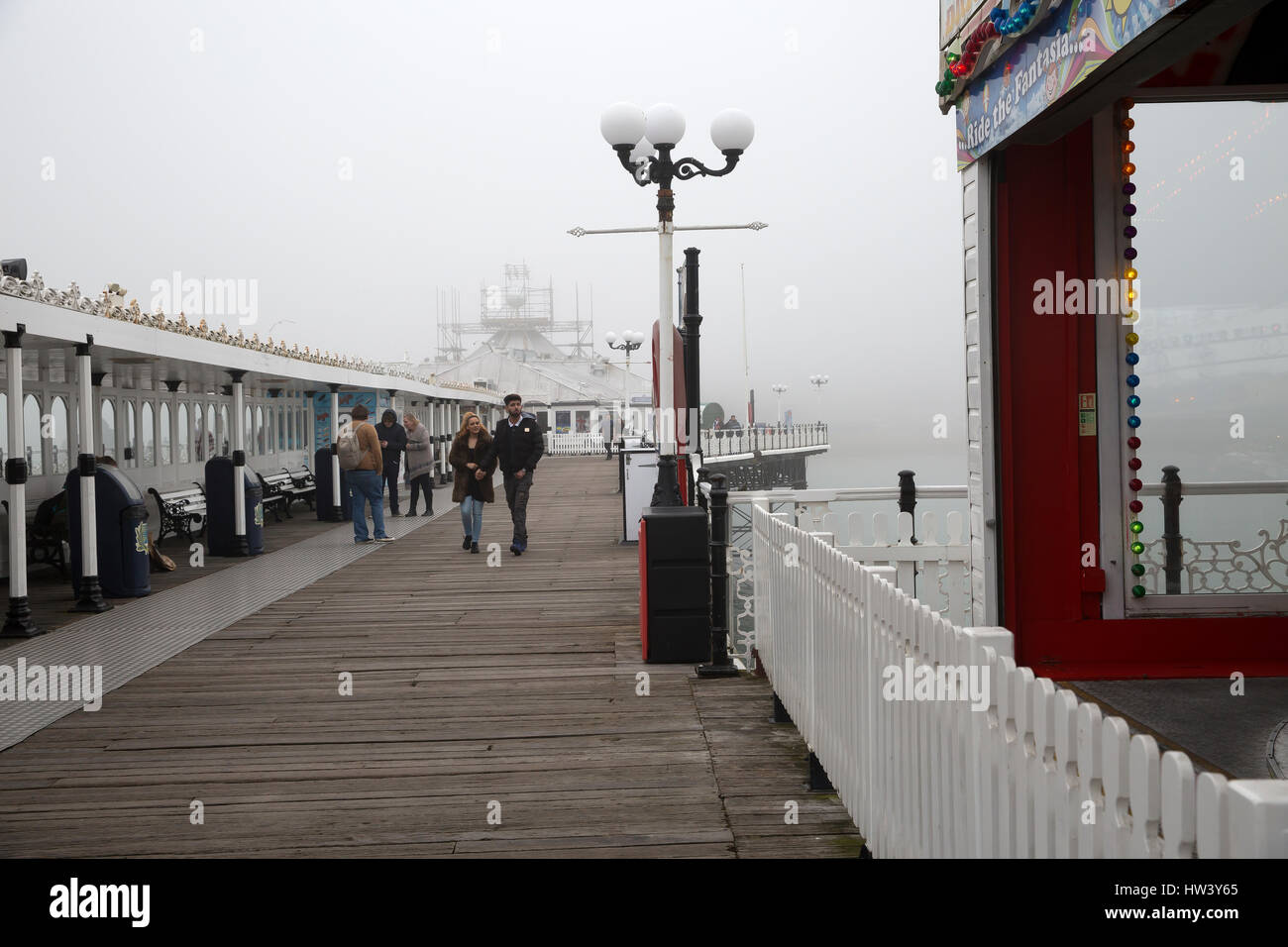 Brighton, UK. 16th Mar, 2017. Foggy day in Brighton after the recent springlike temperatures Credit: Keith Larby/Alamy - Stock Image