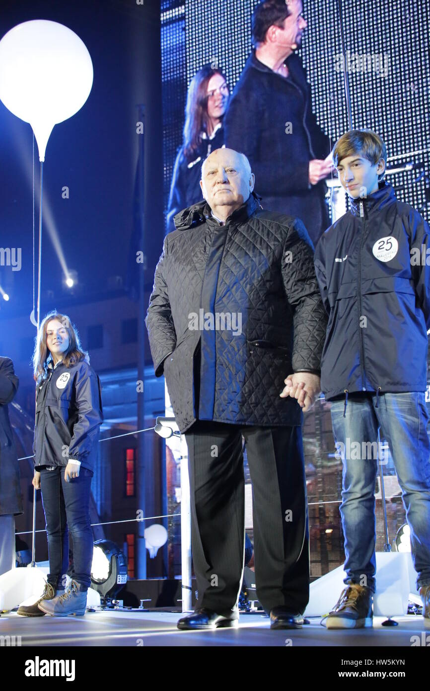 Berlin, Germany, November 9th, 2014: Mikhail Gorbachev and Berlin Mayor Wowereit take part in the 25th celebrations Stock Photo