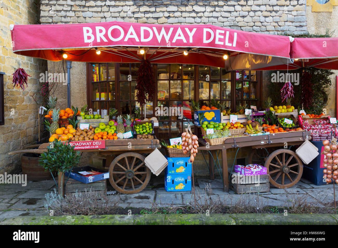 Broadway Deli shop, Broadway village, Cotswolds, Worsectershire, England UK - Stock Image