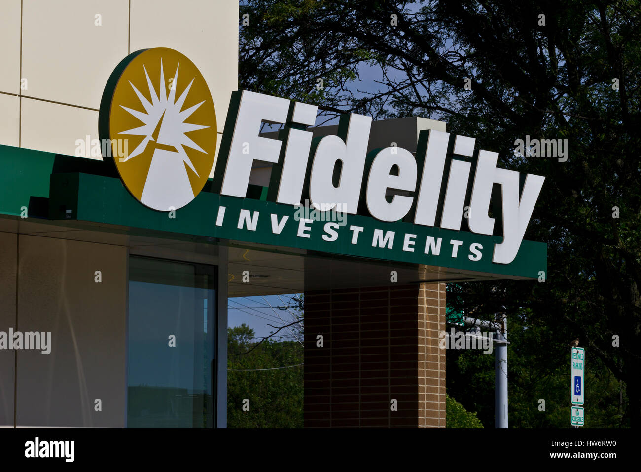 Indianapolis - Circa June 2016: Fidelity Investments Consumer Location. Fidelity is the Fourth Largest Mutual Fund - Stock Image