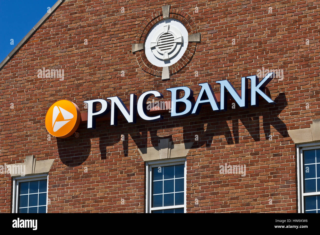 Indianapolis - Circa June 2016: PNC Bank Branch. PNC Financial Services offers Retail, Corporate and Mortgage Banking - Stock Image