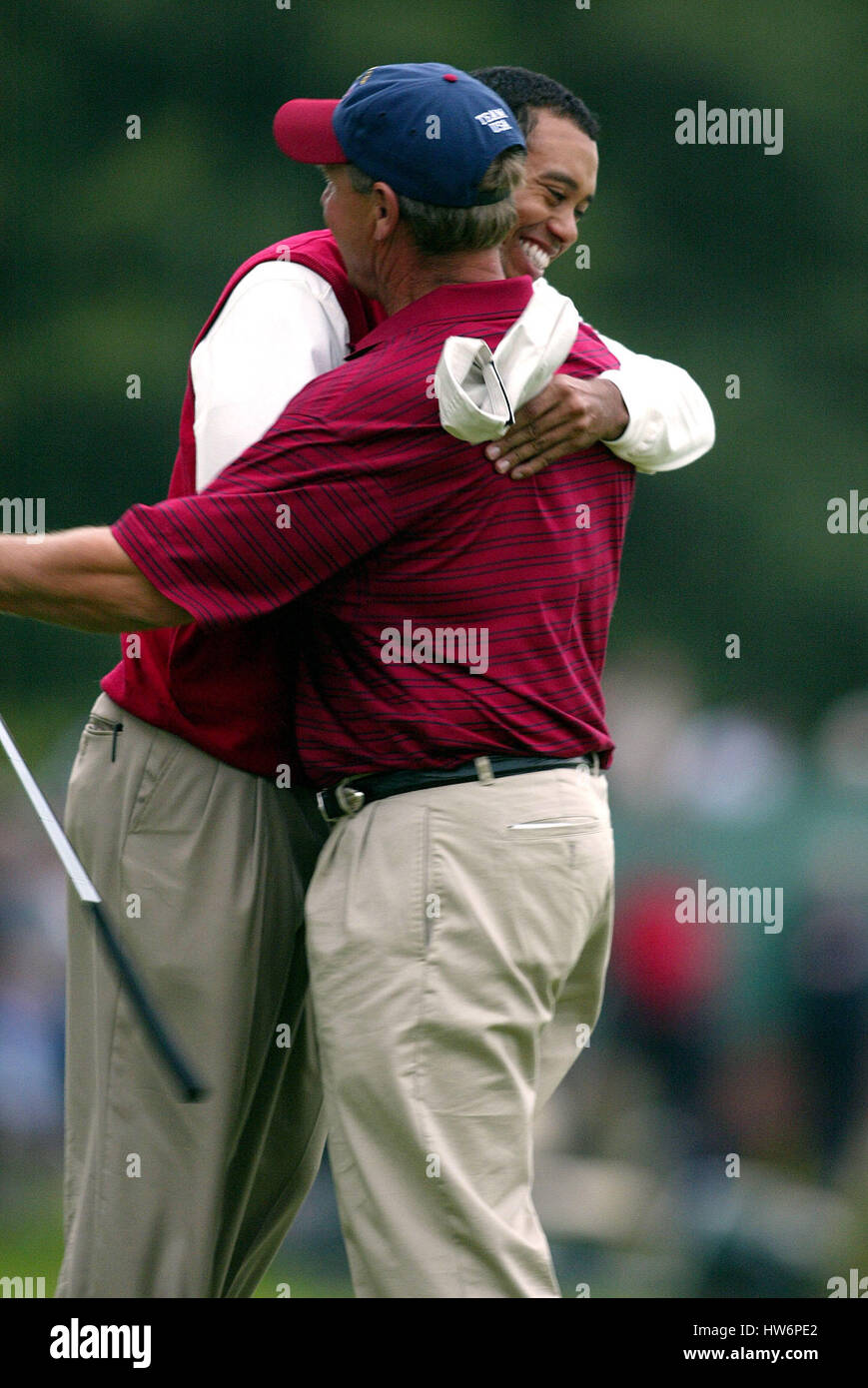 TIGER WOODS & LOVE'S CADDIE RYDER CUP 02 18TH GREEN THE BELFRY SUTTON COLDFIELD BIRMINGHAM ENGLAND 28 September - Stock Image