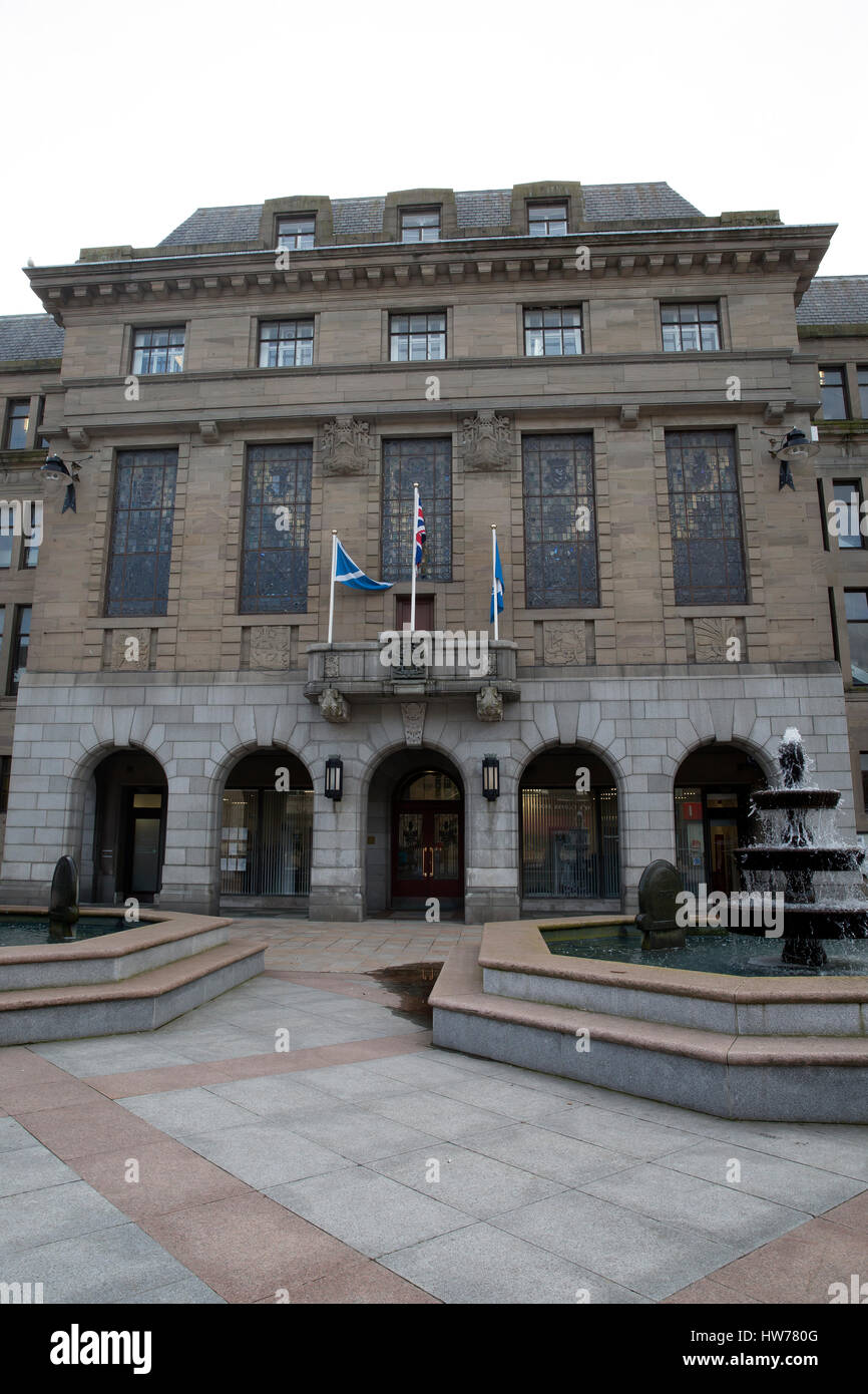 Building in Dundee city centre square - Stock Image