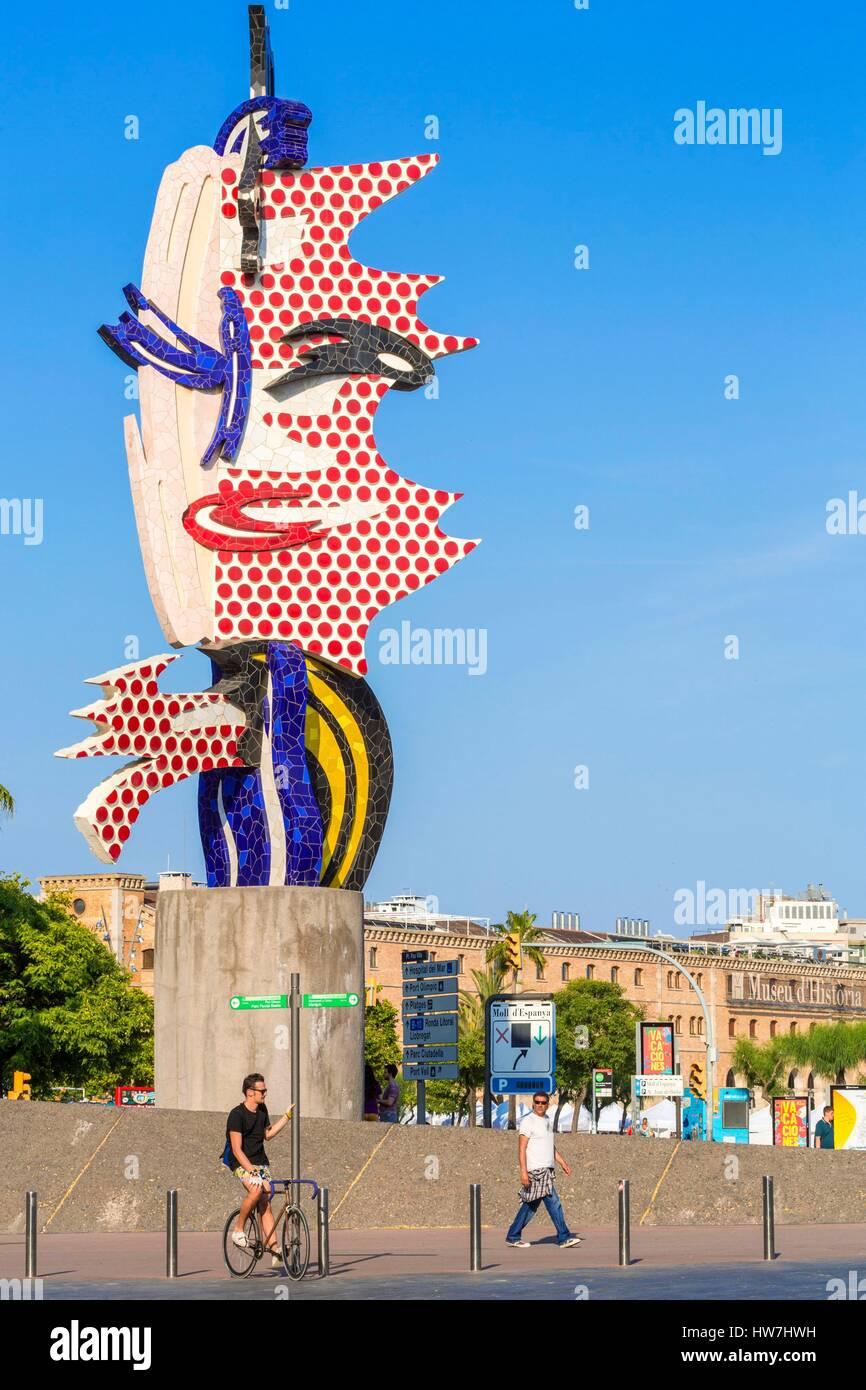 Spain, Catalonia, Barcelona, Barrio Gotica, Passeig de Colom, sculpture entitled Barcelonas Head of American artist - Stock Image