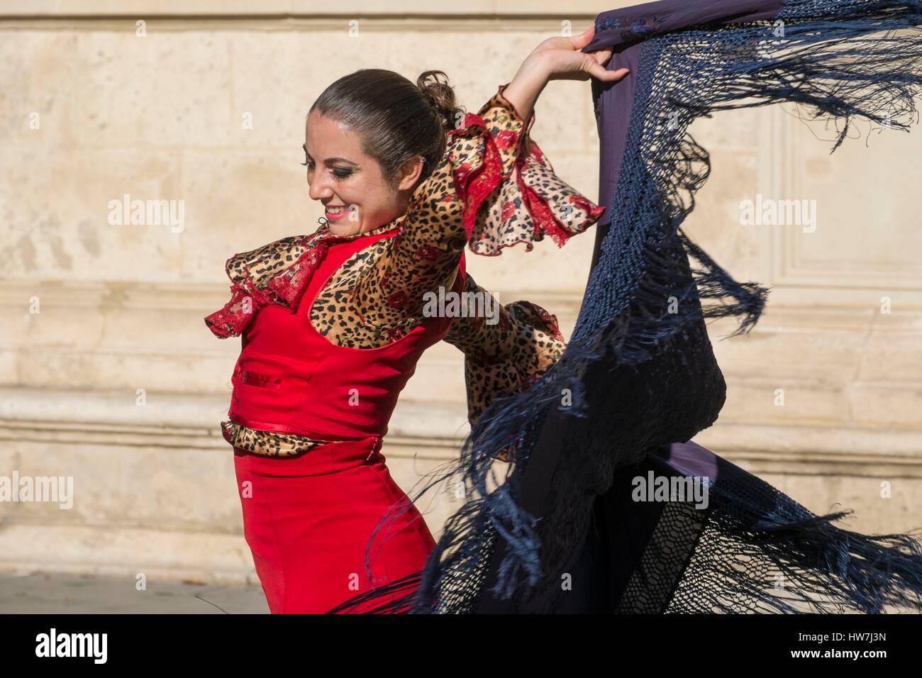 Spain, Andalusia, Seville, Santa Cruz district, Flamenco dancer - Stock Image