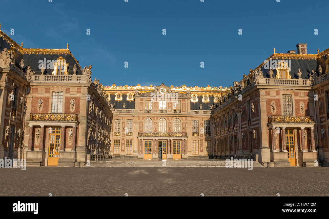 VERSAILLES, FRANCE- OCTOBER 5, 2016: Exterior of the Palace of Versailles before the crowds arrive. - Stock Image