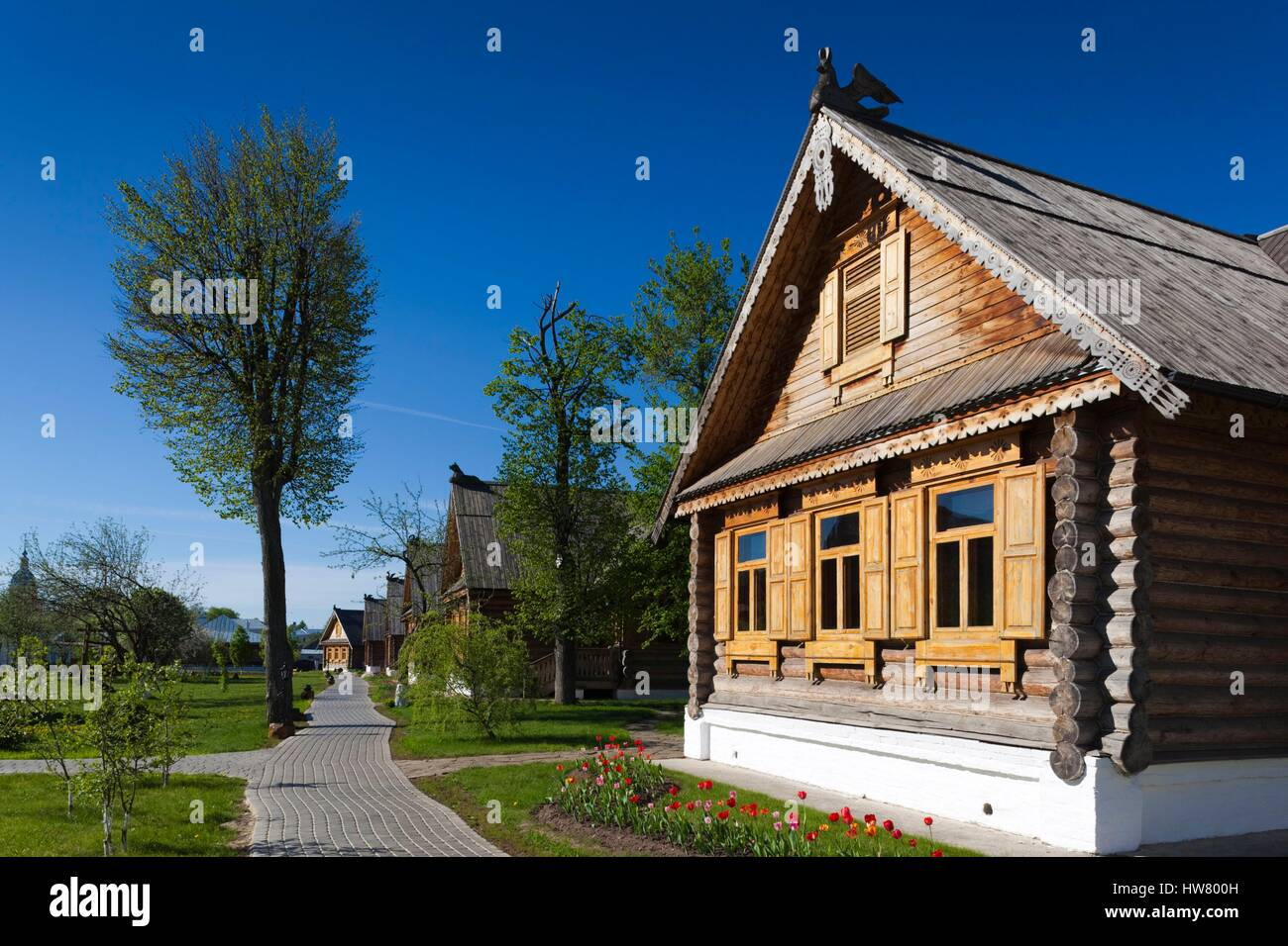 Russia, Vladimir Oblast, Golden Ring, Suzdal, Pushkarskaya Sloboda resort complex, traditional Russian izba cabins - Stock Image