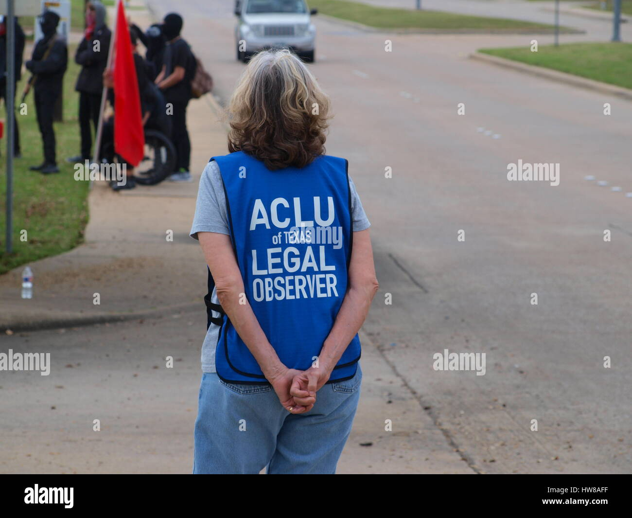 Dallas,US,18 March 2017. An armed protest outside the Dallas Central Mosque  ended peacefully with both opposing - Stock Image