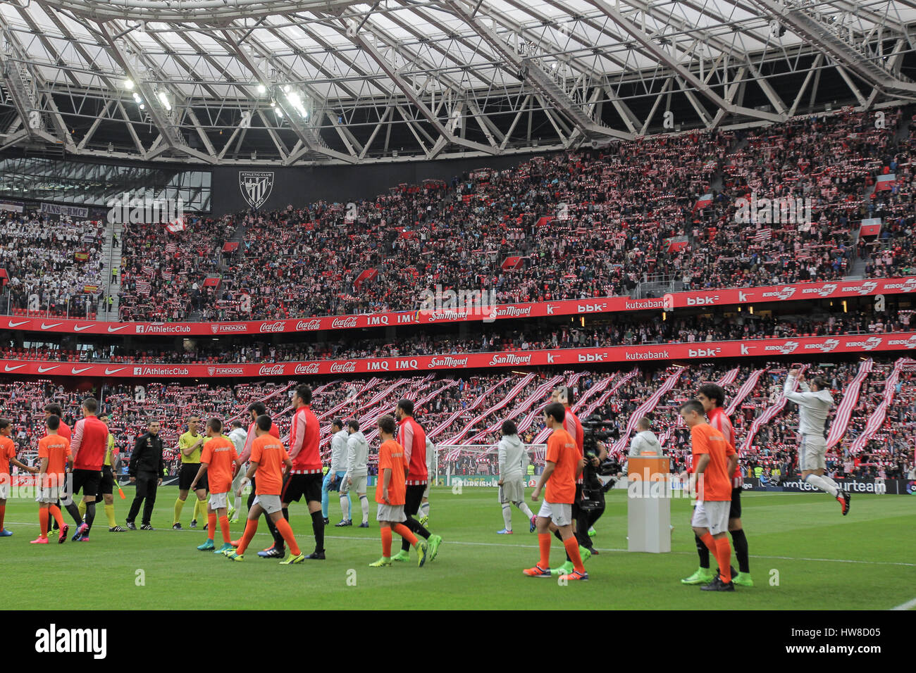 Bilbao, Vizcaya, Spain. 18th March, 2017. Both teams players before the Liga Santander match between Athletic Bilbao - Stock Image