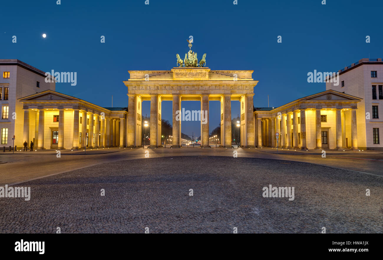Panorama of the famous Brandenburger Tor in Berlin at night - Stock Image