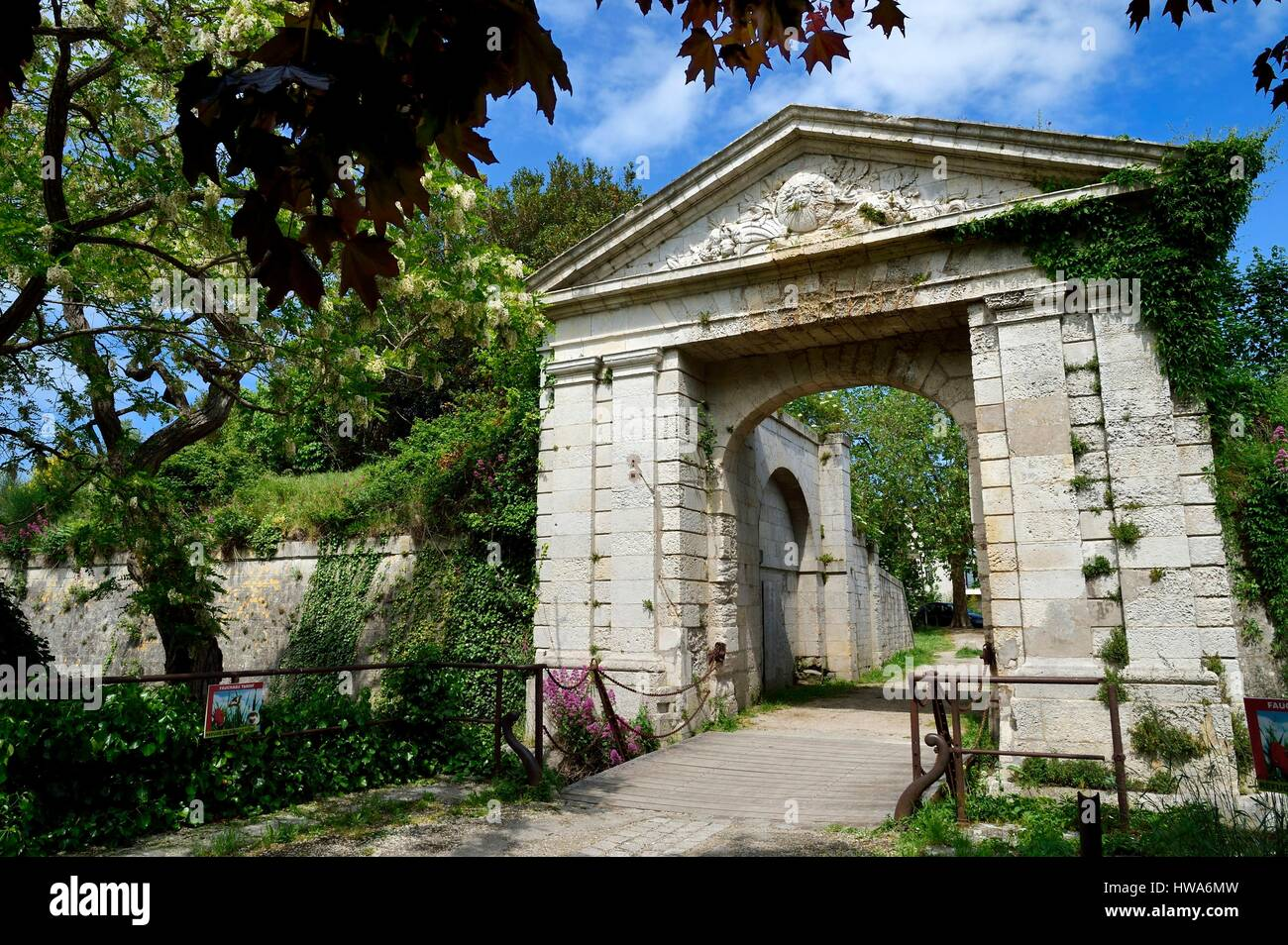France, Charente-Maritime, La Rochelle, the gate before Porte Royale (Royal Gate) in the promenade Henriette Bouchet - Stock Image