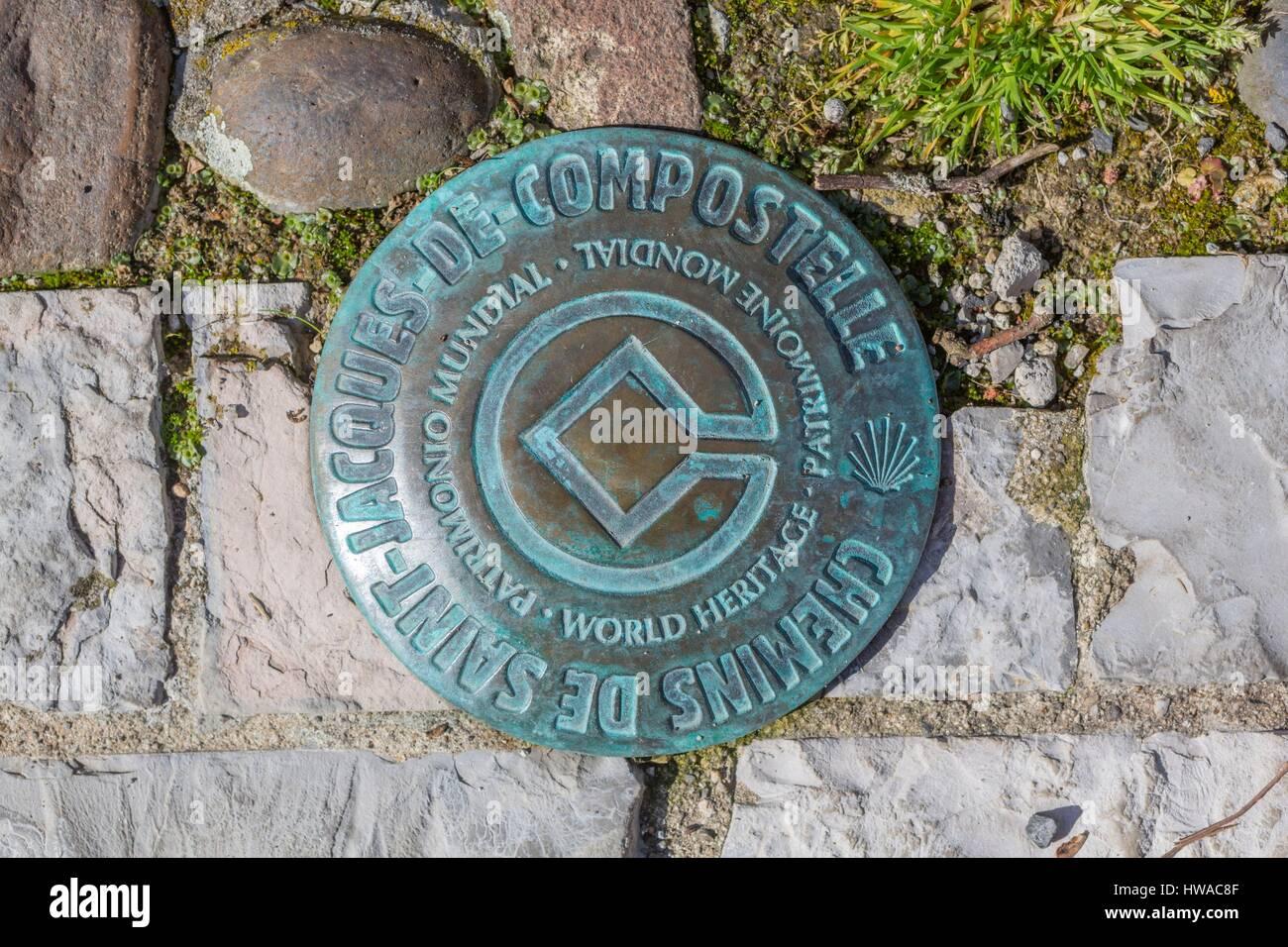 France, Aveyron (12), Saint-Côme-d'Olt, borne sur le chemin Saint-Jacques-de-Compostelle, classé Patrimoine - Stock Image