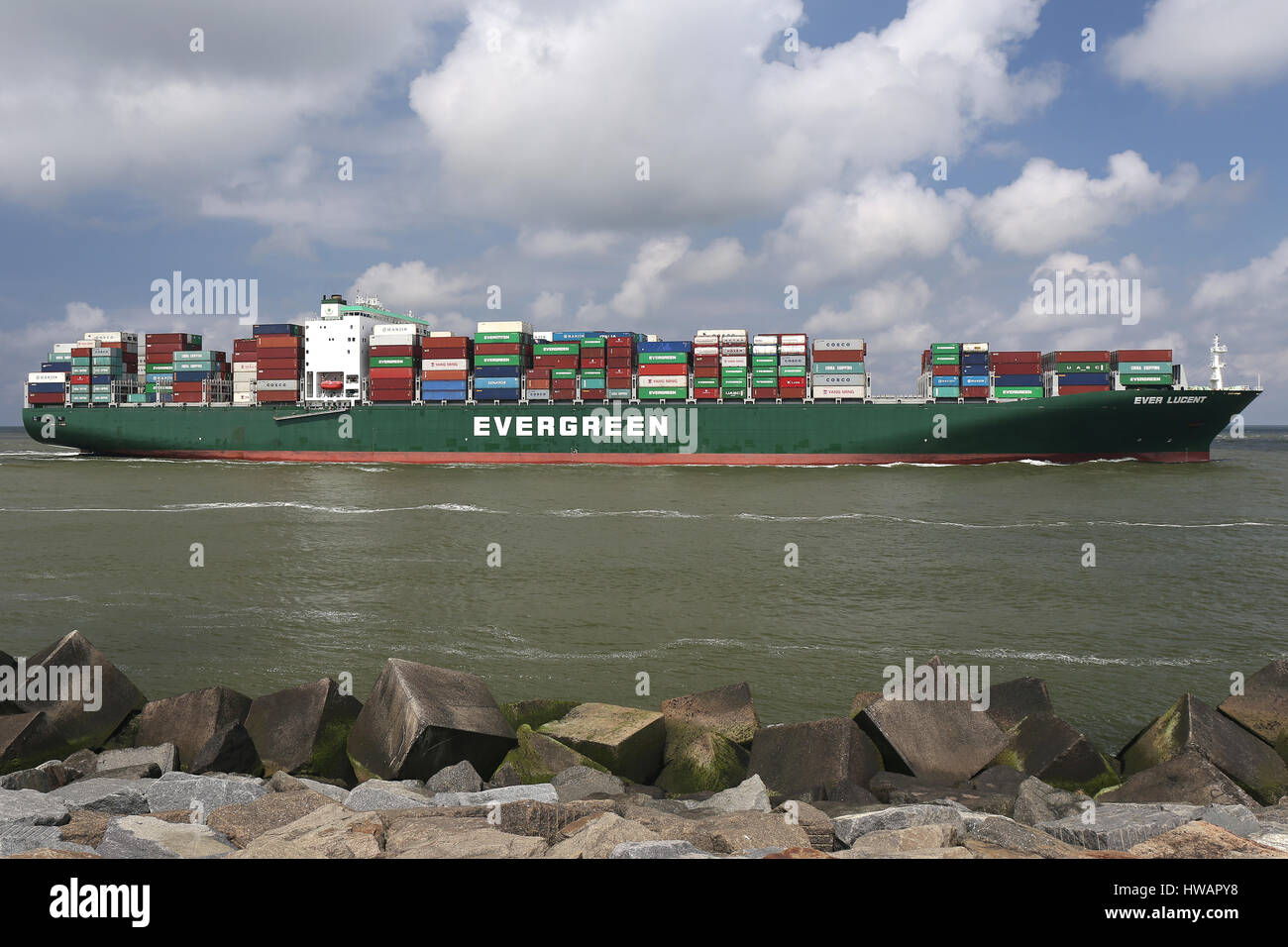 EVER LUCENT inbound Rotterdam - Stock Image