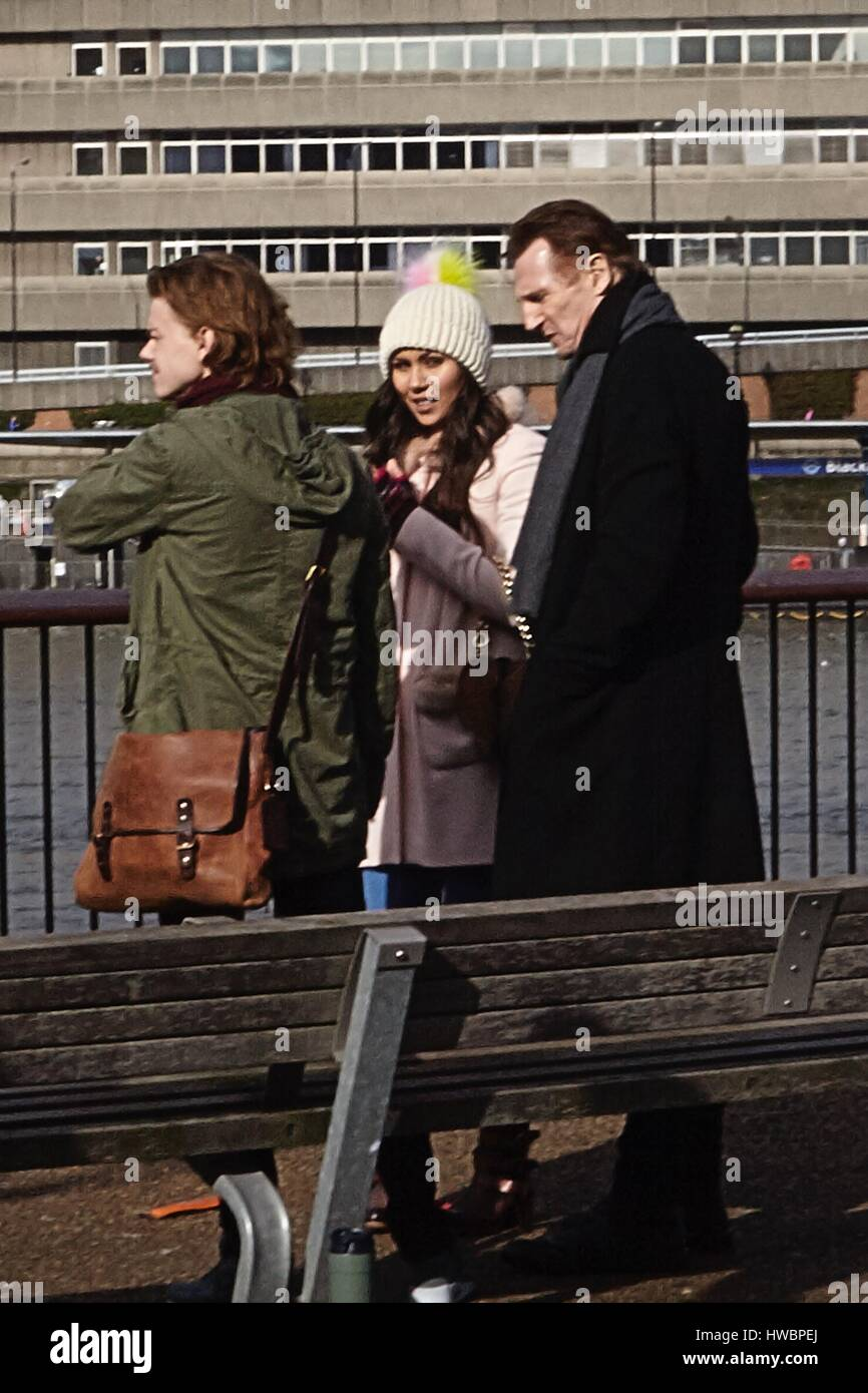 Love Actually 2' filming on the Southbank  Featuring: Liam Neeson, Olivia Olson, Thomas Brodie-Sangster Where: - Stock Image