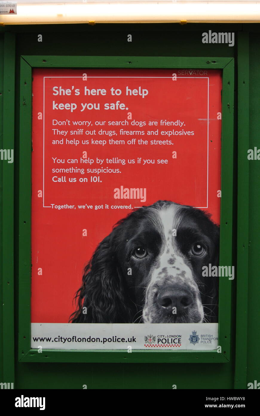 advice notice from The Metropolitan Police, advising public of the use of sniffer dogs in the area - Stock Image