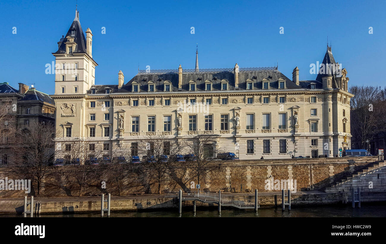 Le quai des Orfevres. Police criminal headquarter. Paris. France - Stock Image