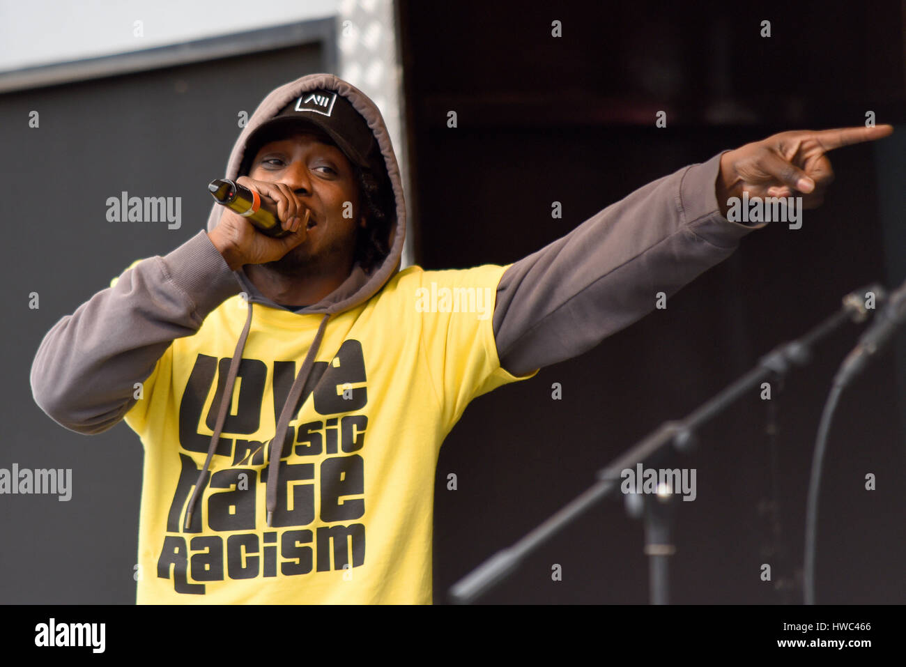 Saskilla singing at the UN Anti racism rally in Parliament Square, London - Stock Image