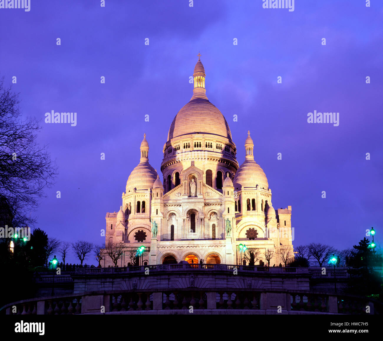Sacre Coeur at dusk, Montmartre, Paris, France - Stock Image