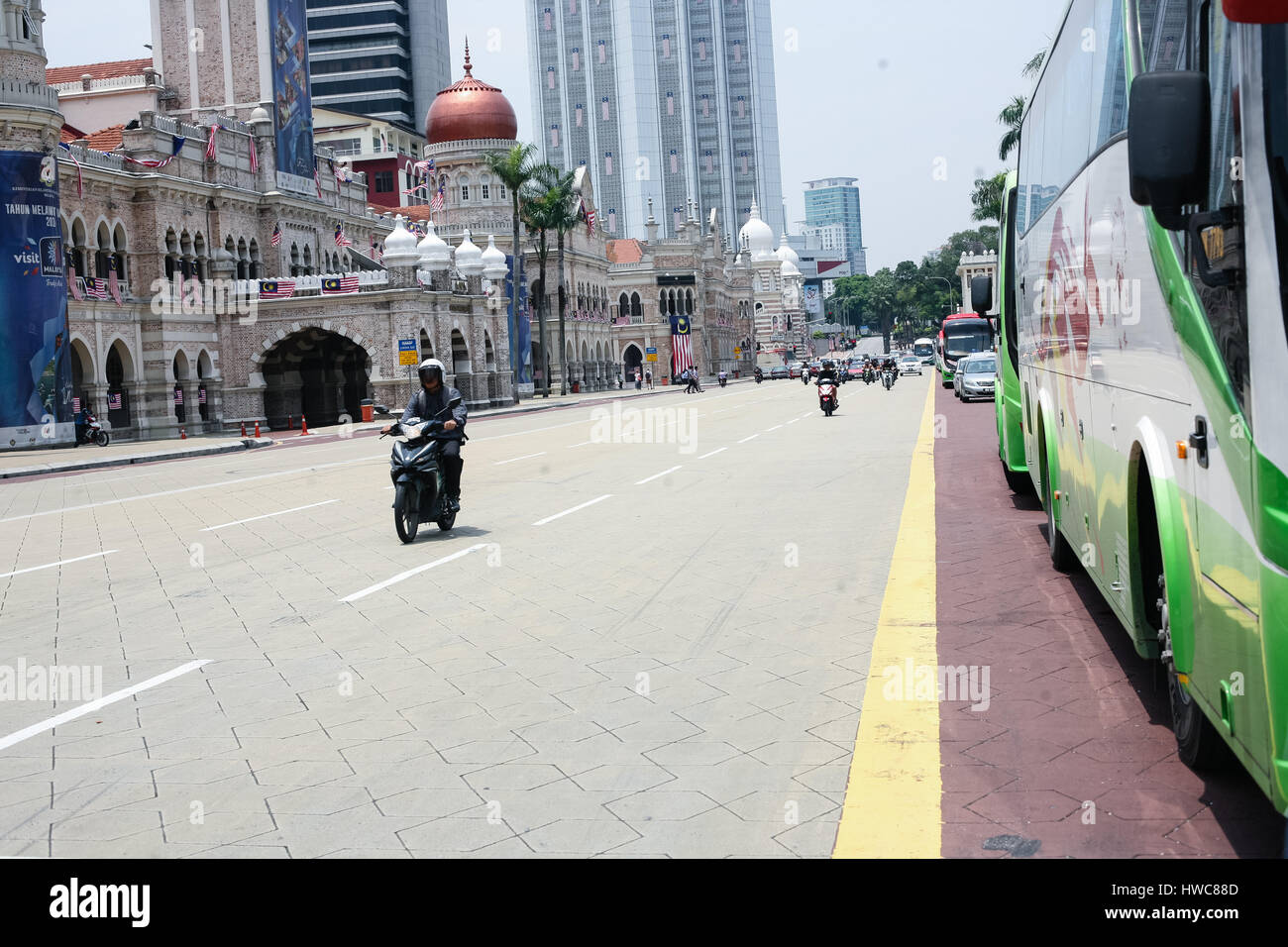 Masjid Jamek Mosque in center of city. Cityscape - Stock Image