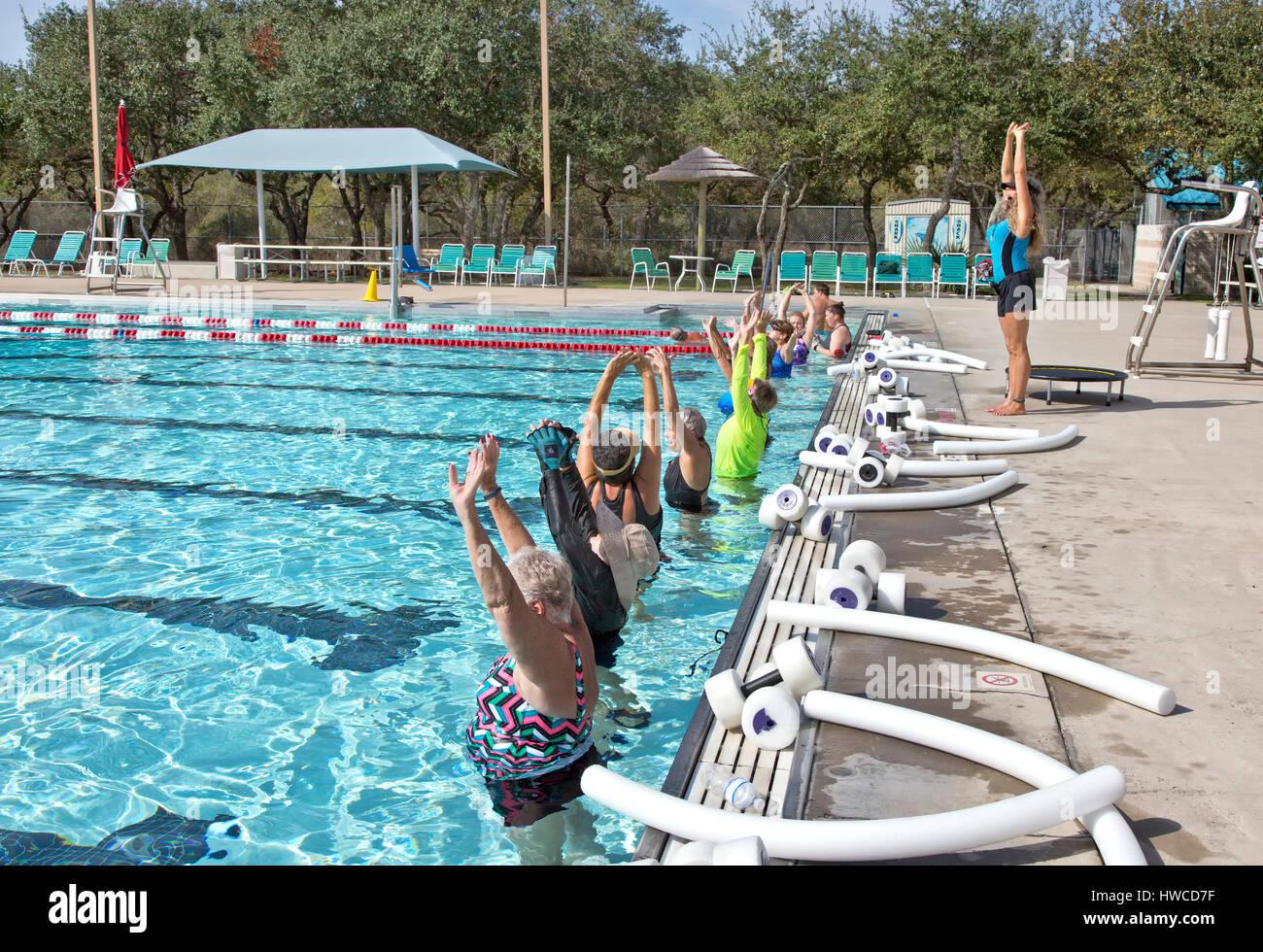 Water Aerobics Senior Women Stock Photos & Water Aerobics ...