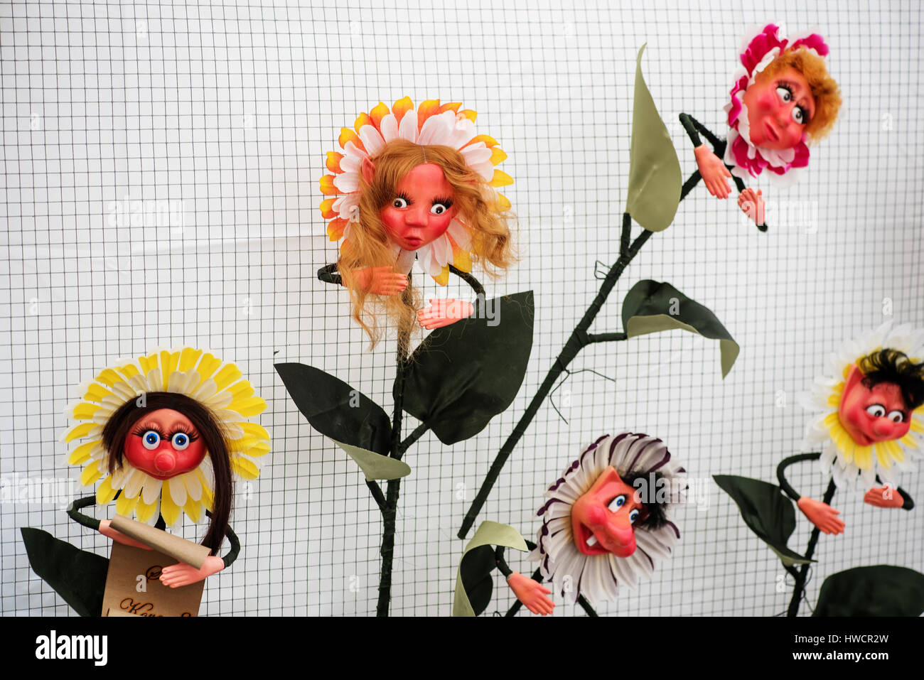 Handicraft mart Kaziukas in Vilnius, Lithuania: made-up flowers - Stock Image