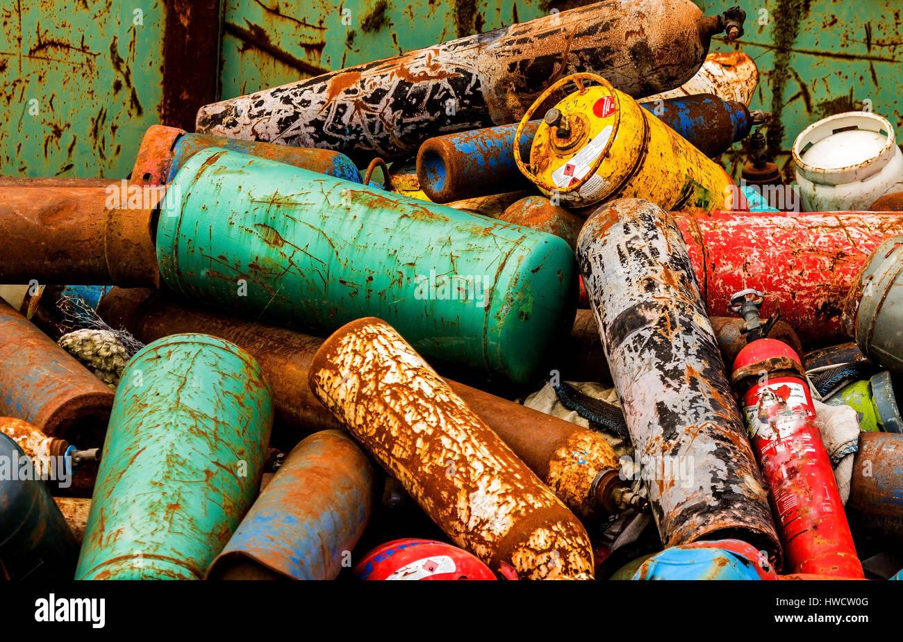 Gas cylinders wait on a scrap yard for her disposal, Gasflaschen warten auf einem Schrottplatz auf ihre Entsorgung Stock Photo