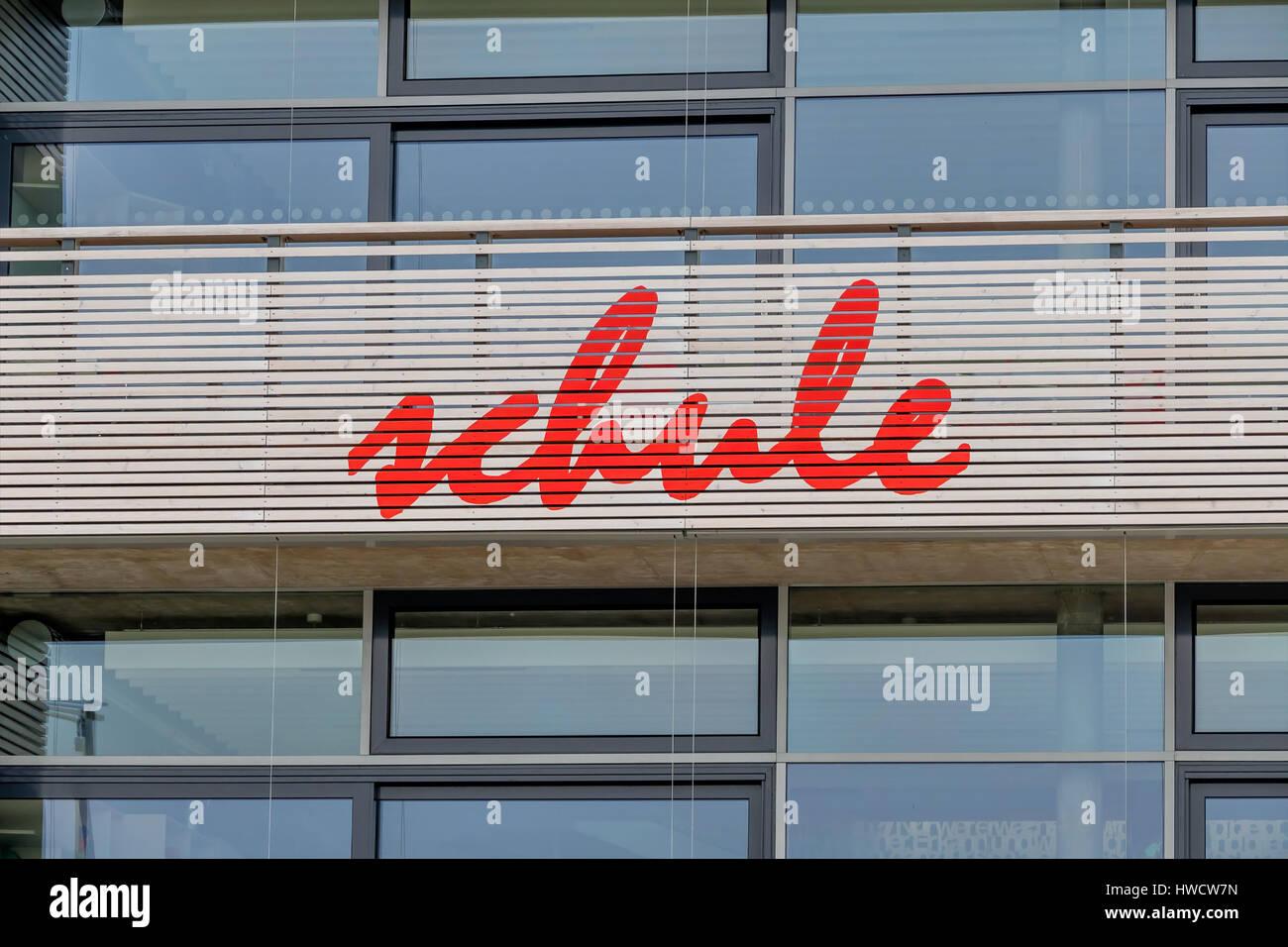 School facade, symbol for education and Schulrefom, Schulgebäude Fassade, Symbol für Bildung und Schulrefom Stock Photo