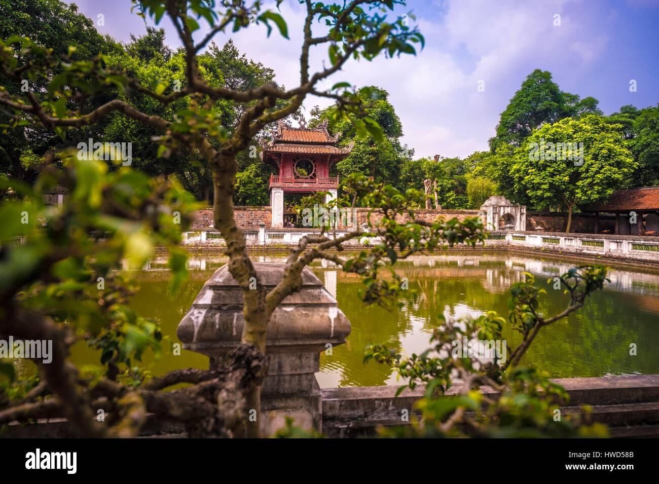 Vietnam, Red River Delta, Hanoi, sanctuary of Prince propagator of Letters (Van Vuong Tuyen Mieu) Temple of Literature Stock Photo